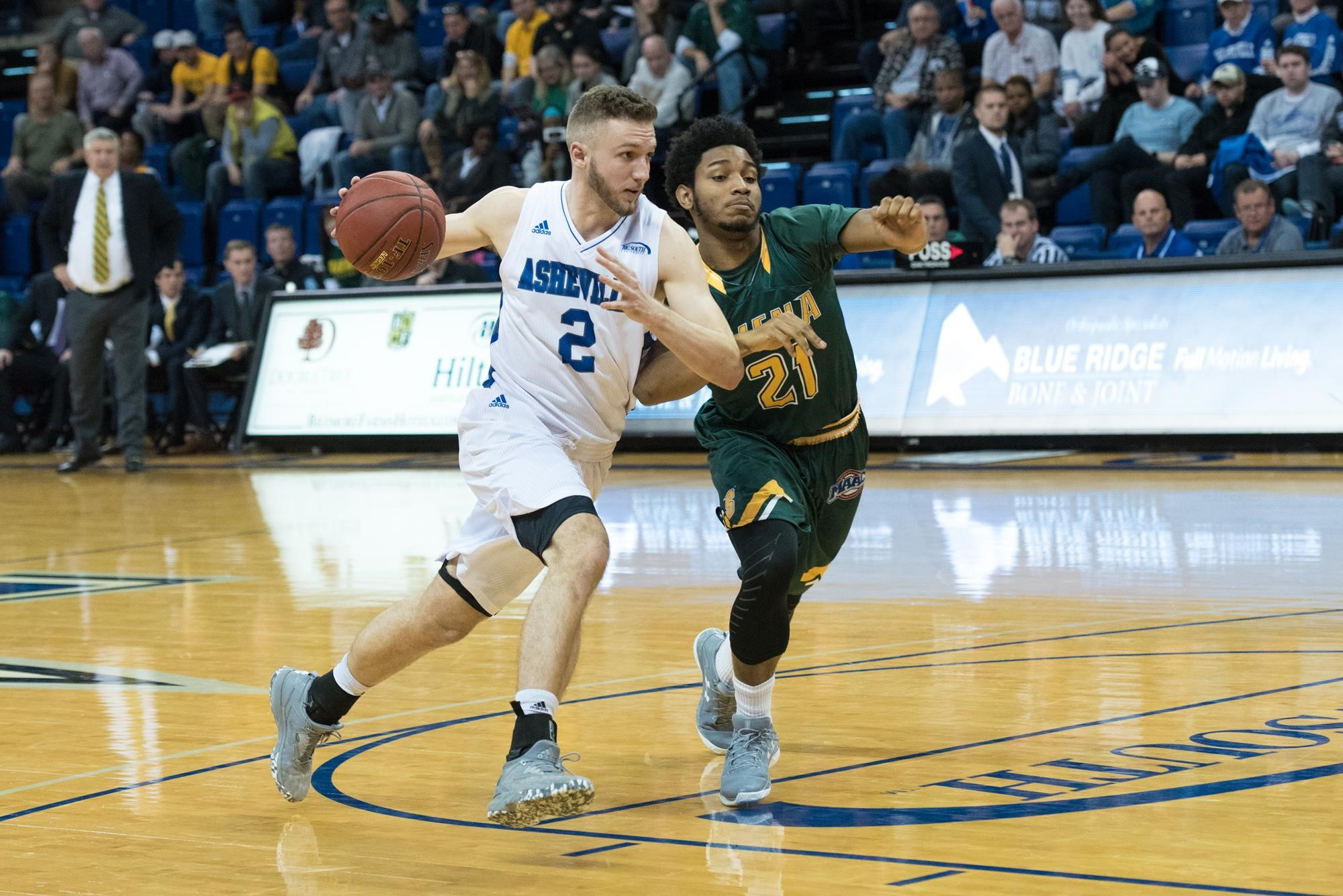 all eyes on alec wnuk '14, unca basketball | news posts